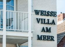 weisse-villa-am-meer-bilder-64